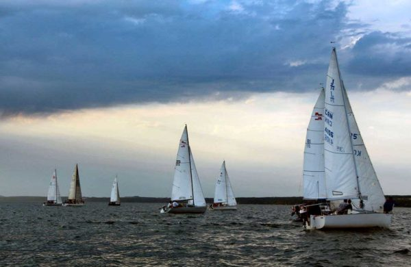 Sailing Club 30
